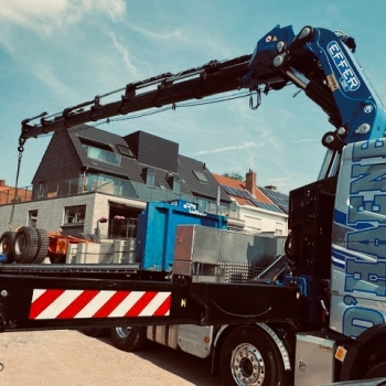 Delivery of Effer 1255-9S to D'Haene earth-moving, concreting and demolition