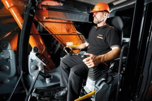 State-of-the-art, ultra-spacious cab in the new Zaxis-7 excavators