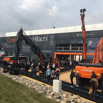 Connect with Hitachi op de BAUMA