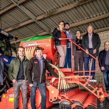 HOOIBEEKHOEVE diversifieert in teelten dankzij nieuwe zaaimachine en rotoreg