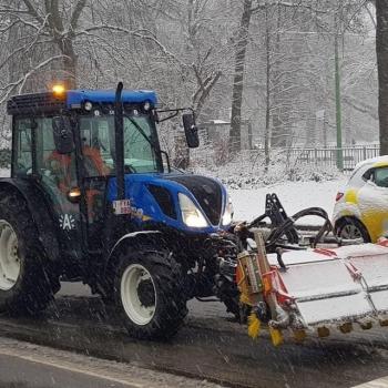 Winterdienst Stad Antwerpen met 13 New Holland tractoren