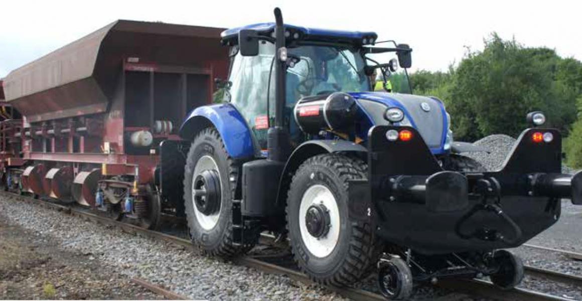 Trekker op het spoor - de NEW HOLLAND Locotractor