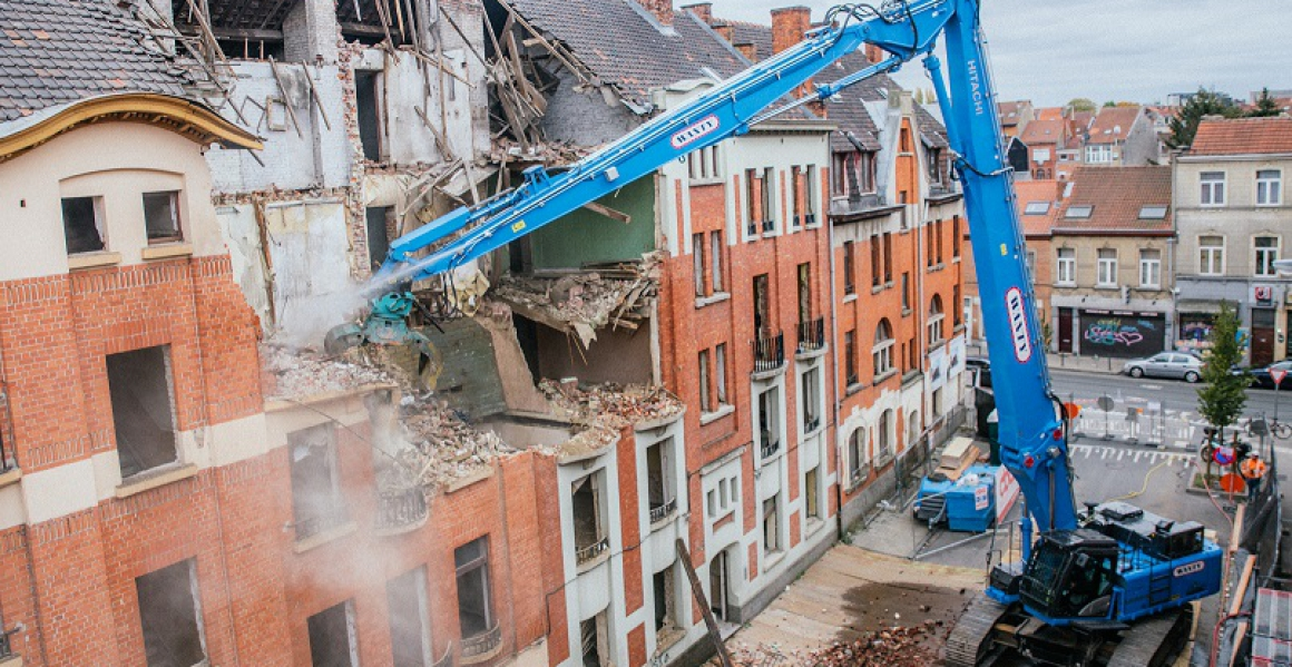 WANTY GROUPE neemt ZX490LCH-6  High Demolition in dienst